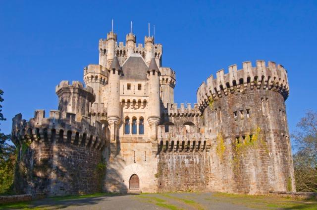 El castillo de Butrón, es un edificio de origen medieval ubicado en el término municipal de Gatica, en la provincia de Vizcaya, España.